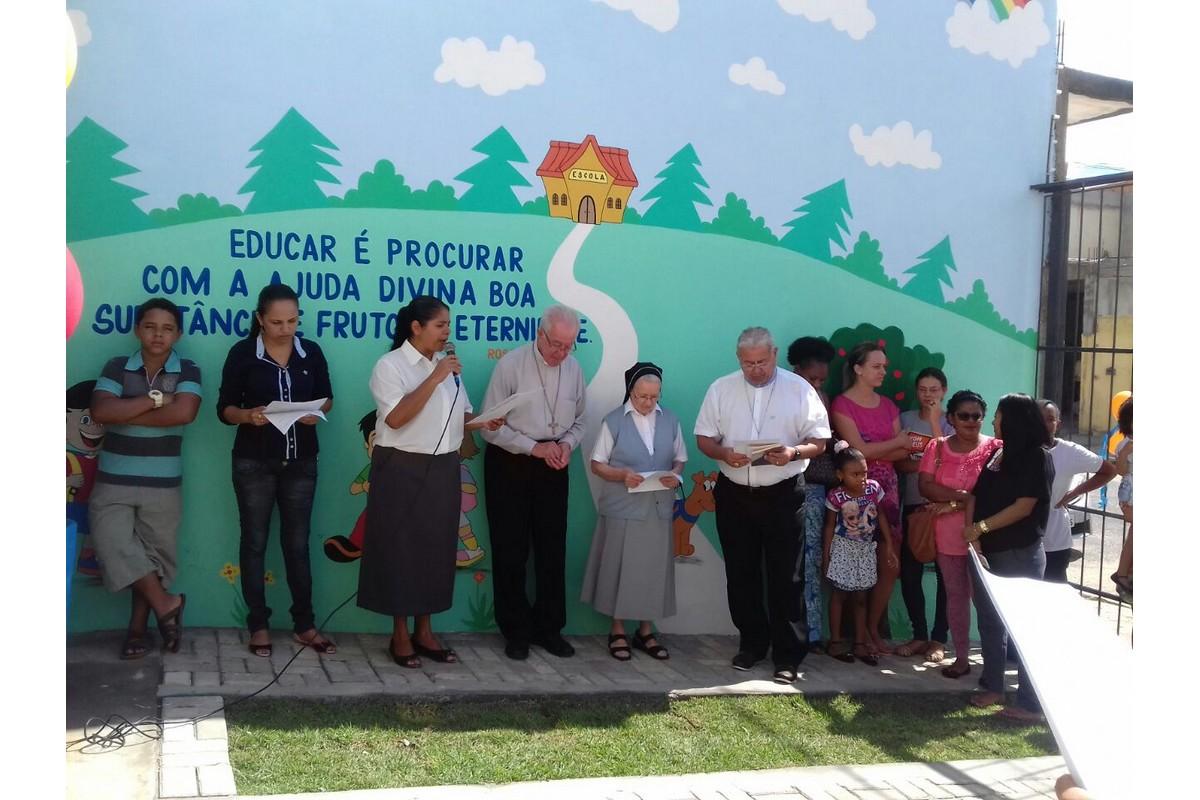 Alagoinhas - Da sinistra: Sr. Marta, S.E. Jaime Mota, Sr. Rosanna e S.E. Paulo Romeu