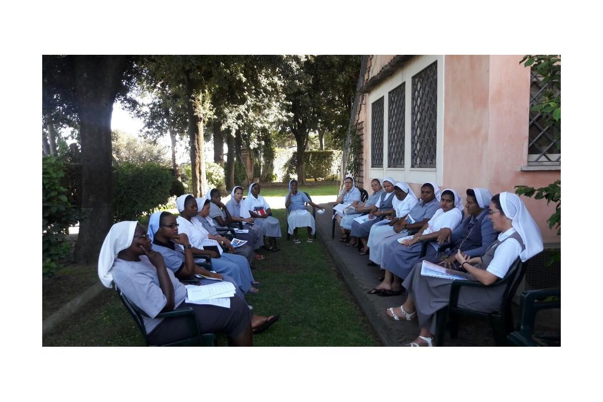 Momenti dell'incontro di formazione delle Juniores Venerini