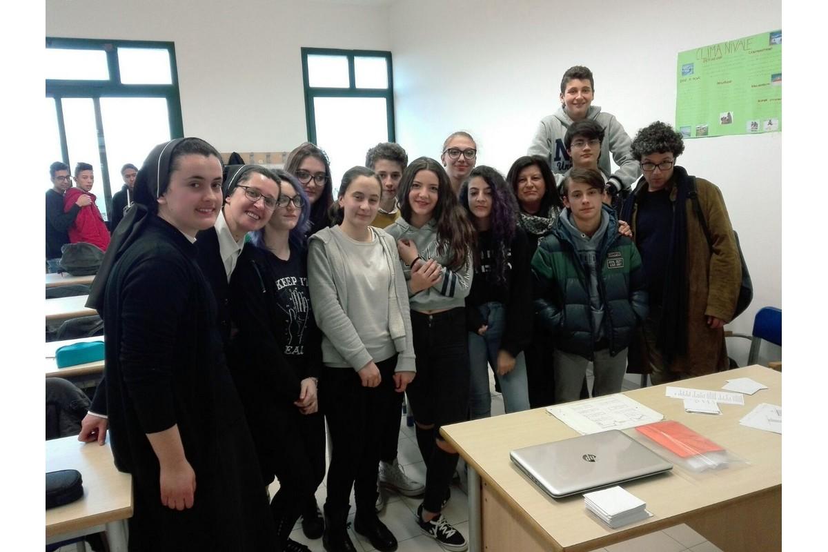 Sr. Genoveva e Sr. Kristiane alla scuola di Chianciano